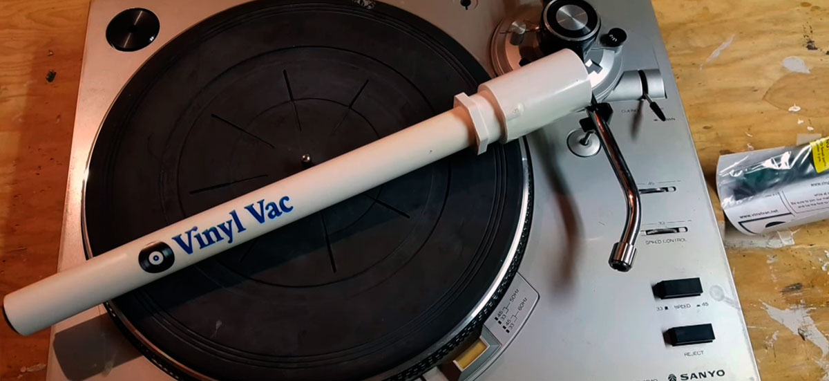 Vinyl Vac 33 vinyl cleaner on a recoed player